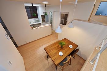 限りなくすき間のない外気温の影響を受けにくい住宅